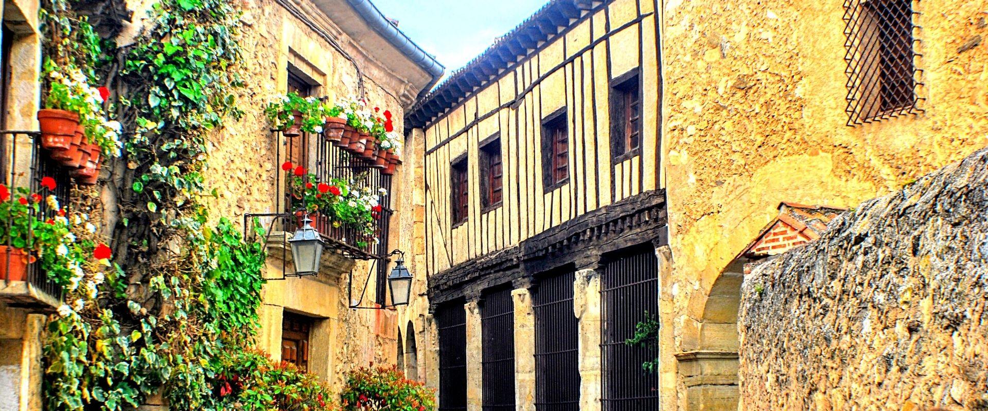 Viaje en grupo a Segovia | Rutas Salvajes | Viajar Solo en Grupo Organizado